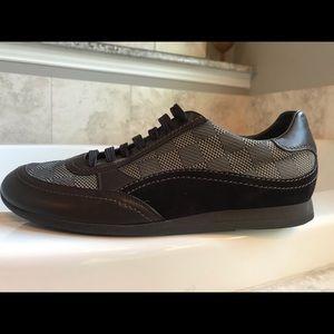 NEW Men's Louis Vuitton Sneakers size 8